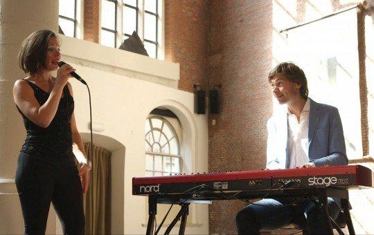 To the Nines - Marieke & Dennis Weelink op toetsen of piano